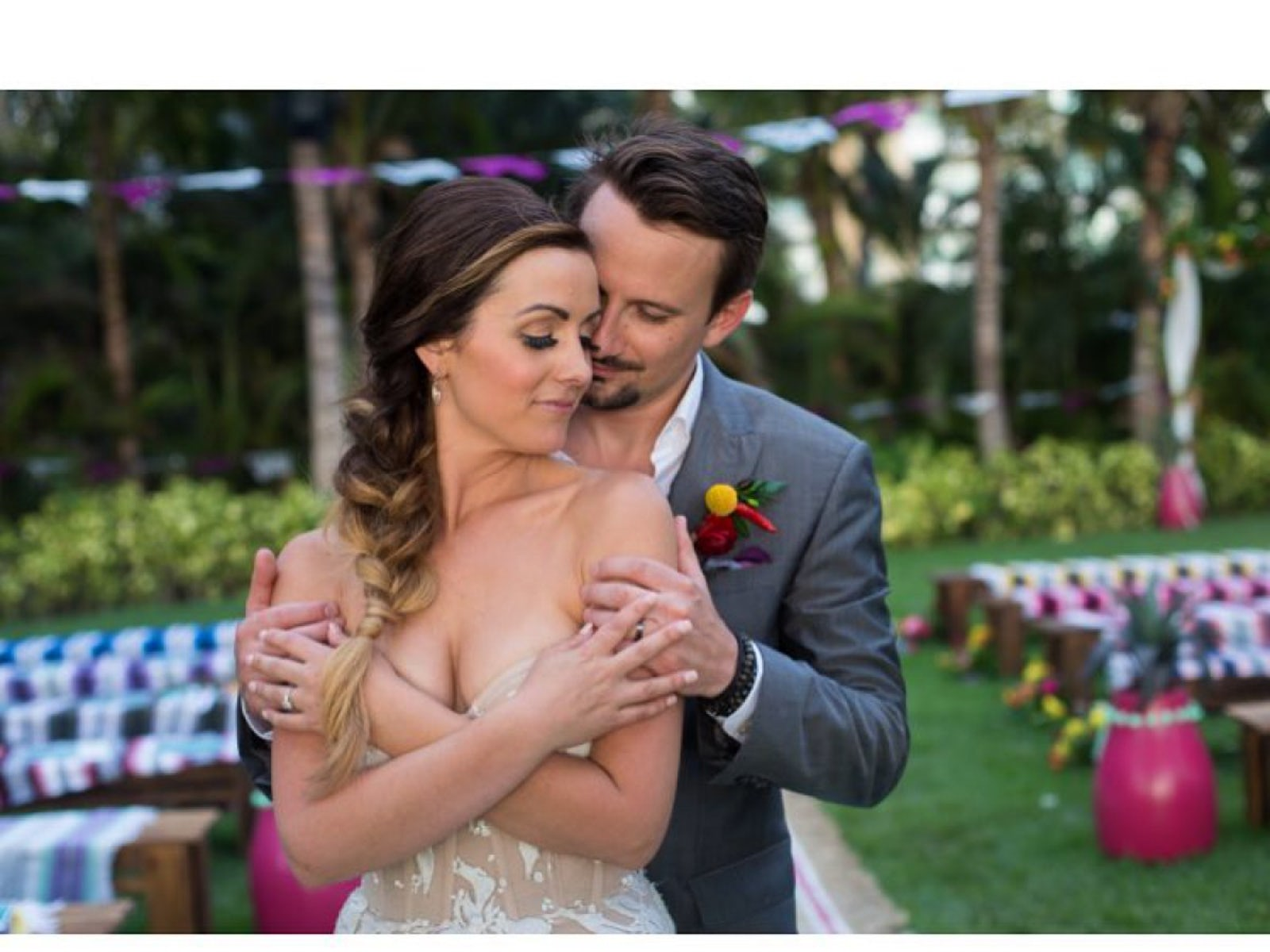 Carly And Evan Wedding.Carly Waddell Chose New Ring Before Bachelor In Paradise Wedding