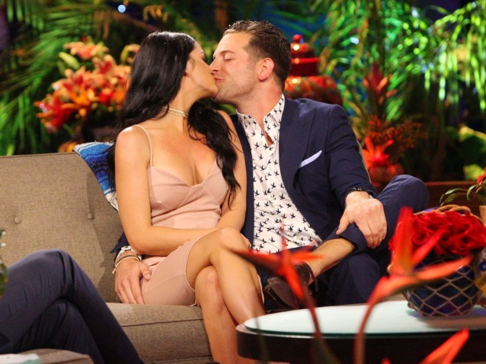 Bachelor and Bachelorette Contestants Who Found Love