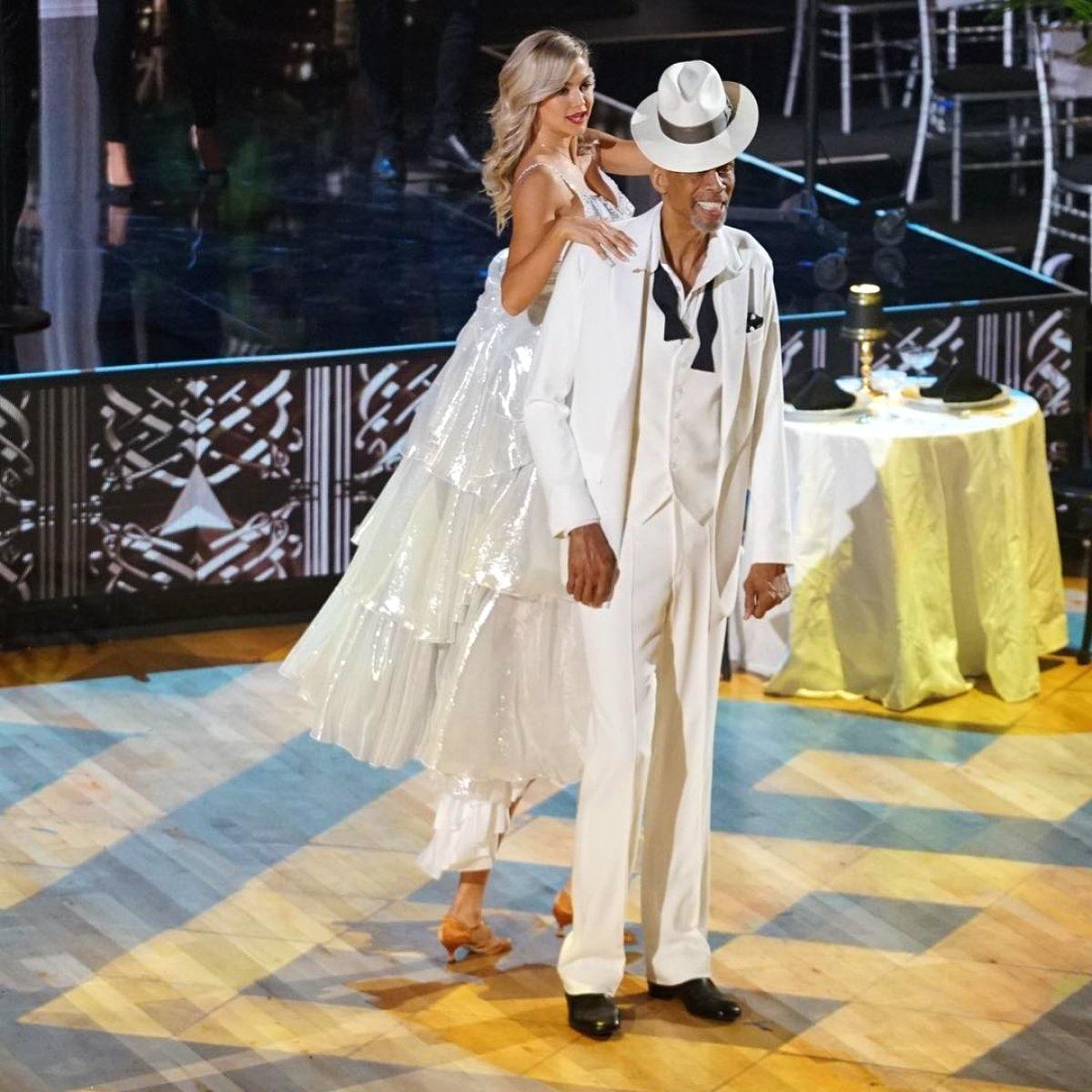 Kareem Abdul Jabbar And Lindsay Arnold Talk Dancing With The Stars Athletes Kareem Picks A Winner